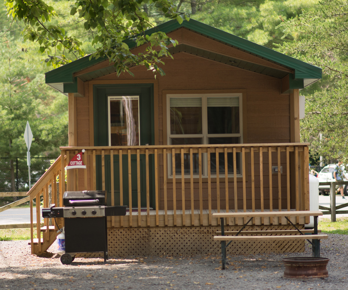 Whispering Pines Cabana Cottage